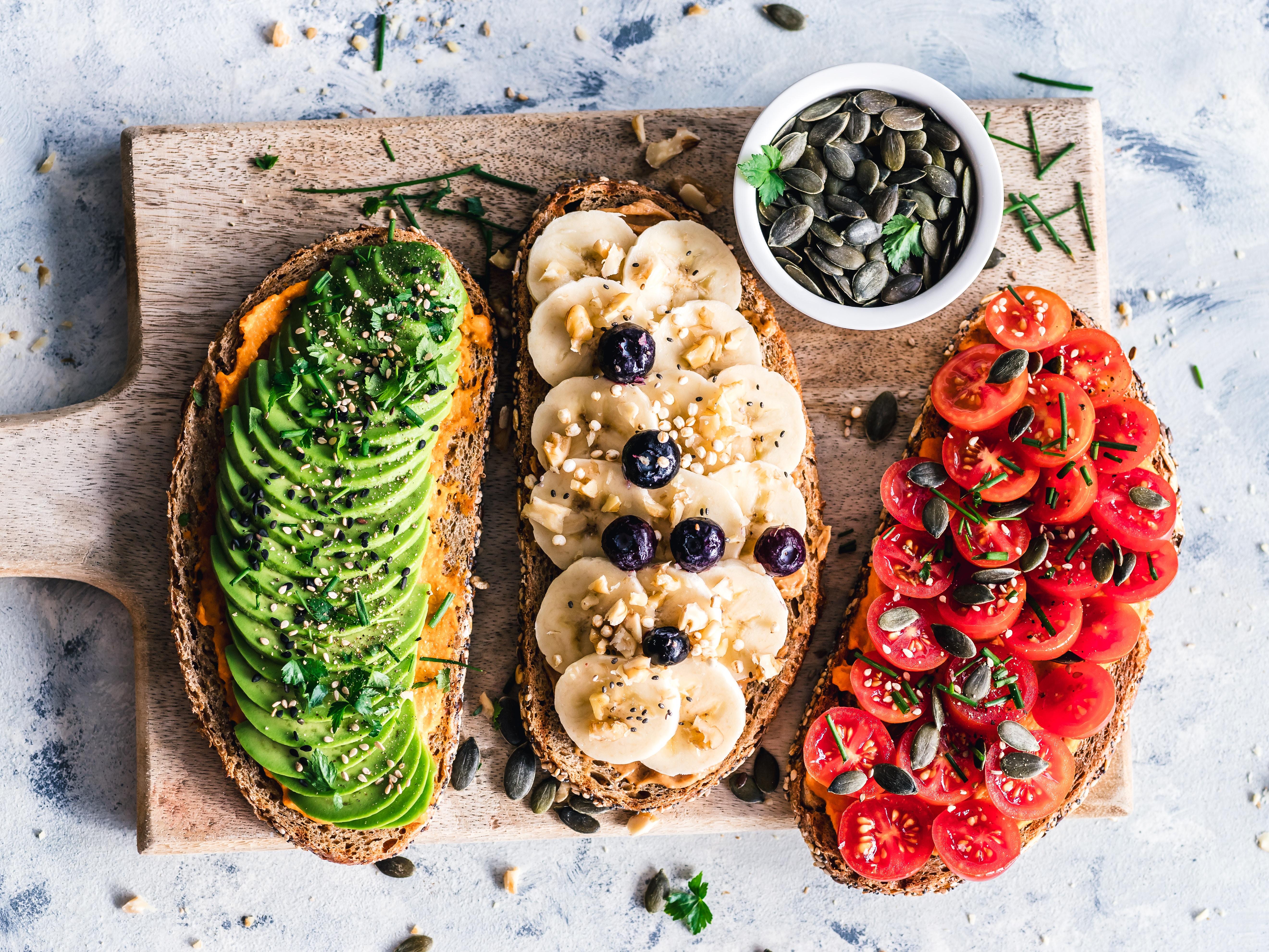 Dolegliwości zdrowotne a dieta mają ze sobą ścisły związek. Odpowiednia dieta pozwala utrzymać dobre samopoczucie i zdrowie.