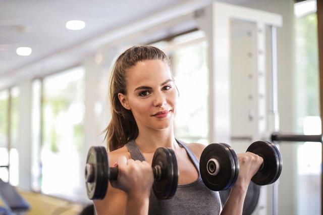 Budowa masy mięśniowej jest ważna, jeśli chcemy osiągnąć zdrową i wyrzeźbioną sylwetkę