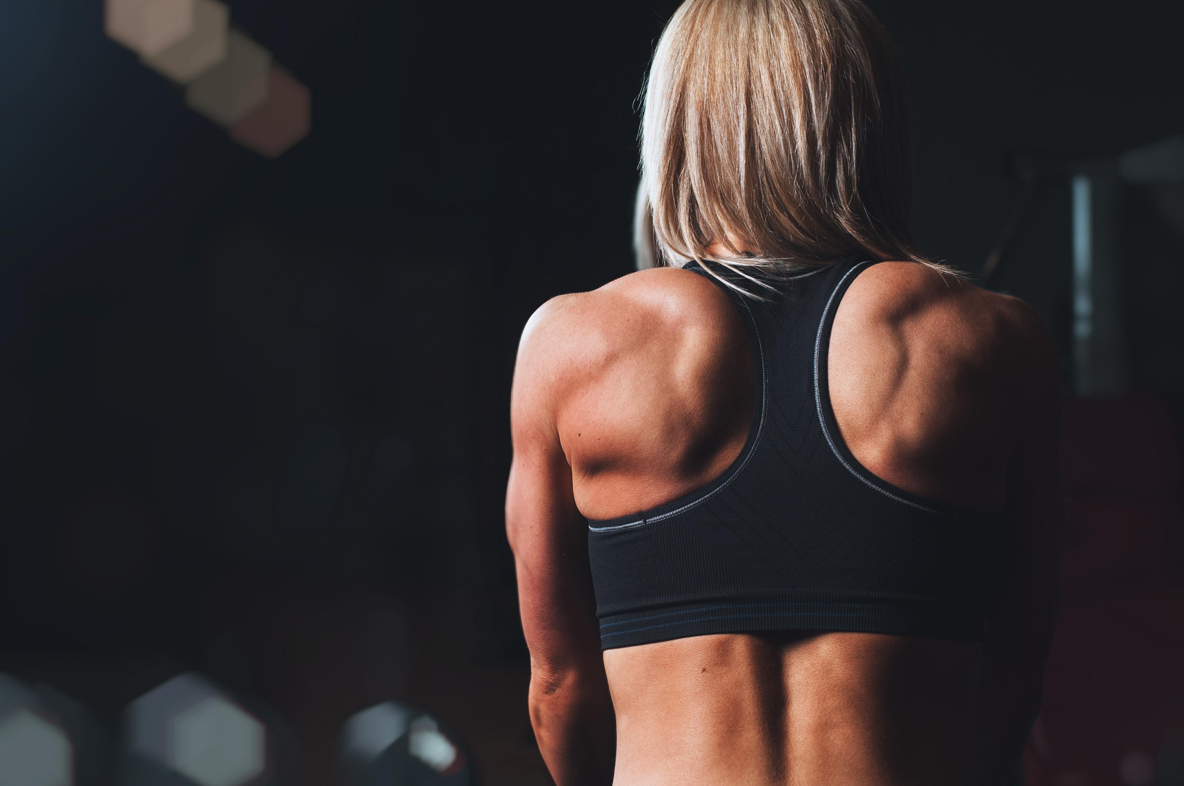 Budowanie masy mięśniowej bez białka wymaga cierpliwości oraz odpowiedniej diety