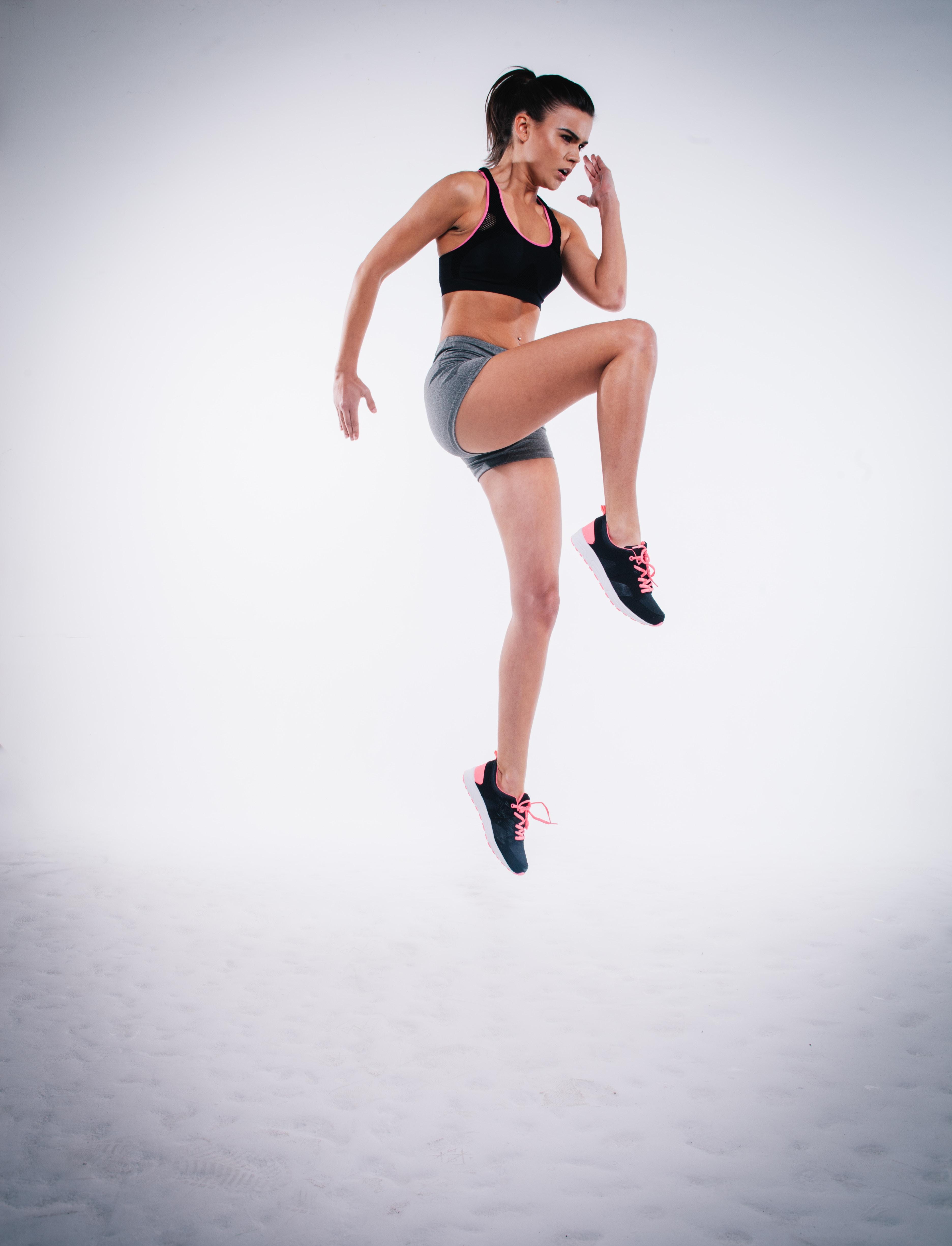 Posiłek przed treningiem będzie różnić się w zależności od tego, w jakiej porze dnia uprawiamy aktywność fizyczną