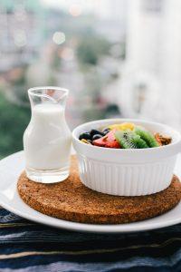 Catering dietetyczny to rozwiązanie, które posiada zarówno zalety, jak i wady