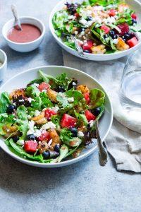 Dieta wegetariańska może mieć zarówno pozytywny, jak i negatywny wpływ na nasze zdrowie, jeśli nie będzie odpowiednio zbilansowana